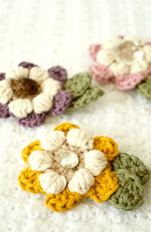 Flower brooch - Free crochet pattern