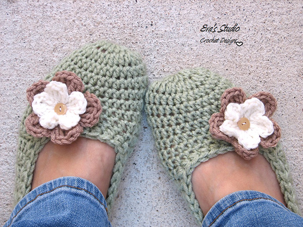 Crochet Stitches Net : ... .net > patterns > Evas studios patterns > Flower slippers