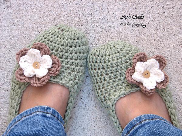 Crochet Stitches Net : ... .net > patterns > Evas studios patterns > Flower slippers