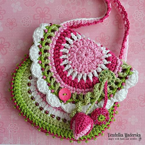 Garden scene purse crochet pattern - Allcrochetpatterns.net