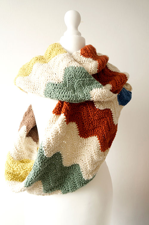 Crochet Scarf Patterns Zigzag : ... .net > patterns > Little Doolallys patterns > Zigzag infini...