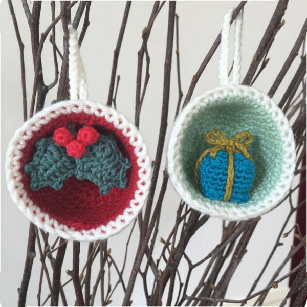 Christmas Bauble Ornaments Gift Holly Crochet Pattern