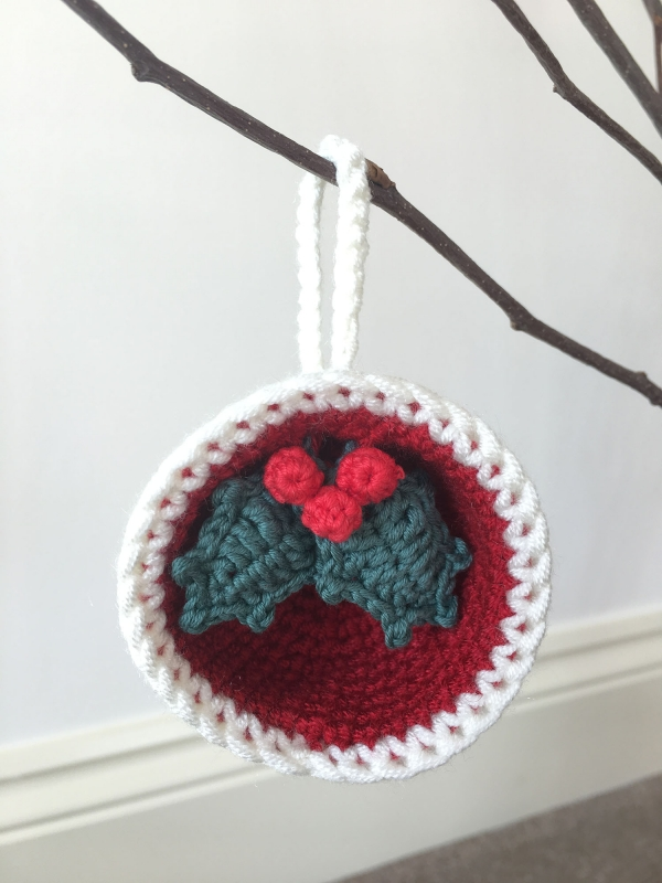 Christmas Bauble Ornaments, Gift & Holly crochet pattern ...