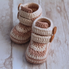 Caleb Boot crochet pattern by Inventorium