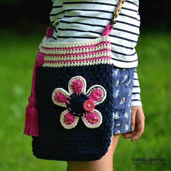 Flower crossbody bag crochet pattern - Allcrochetpatterns.net