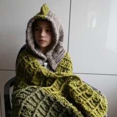 Dinosaur hooded blanket crochet pattern by Luz Patterns