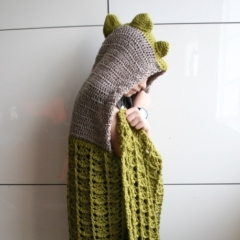 Dinosaur hooded blanket crochet by Luz Patterns