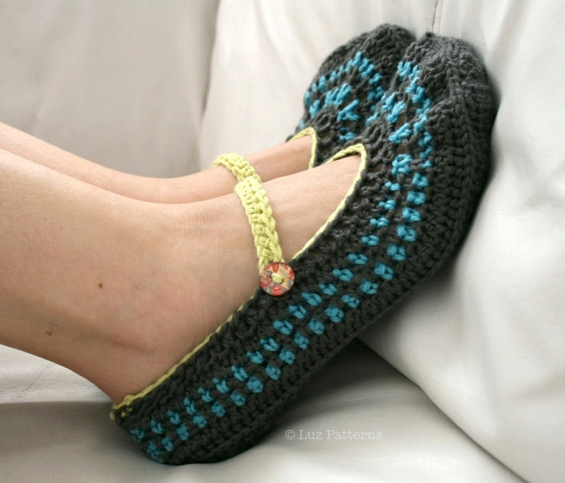 Mary Jane Slippers (adult) crochet pattern - Allcrochetpatterns.net
