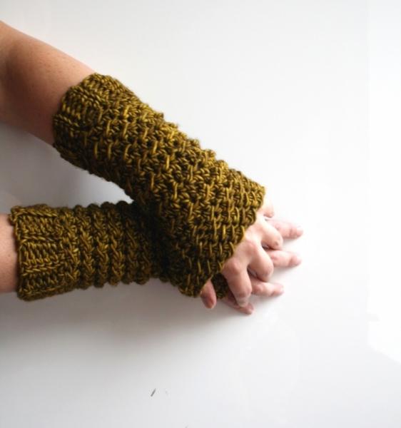 Old Gold Mittens 264 Crochet Pattern Allcrochetpatterns