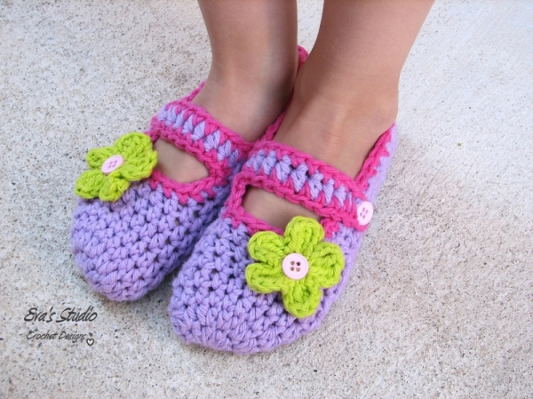 Butterfly Mary Jane Slippers crochet pattern - Allcrochetpatterns.net