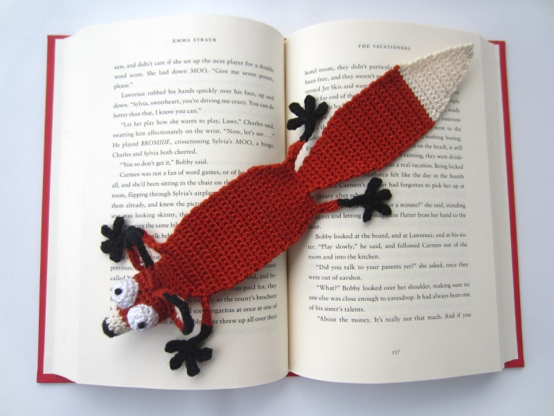 amigurumi fox bookmark