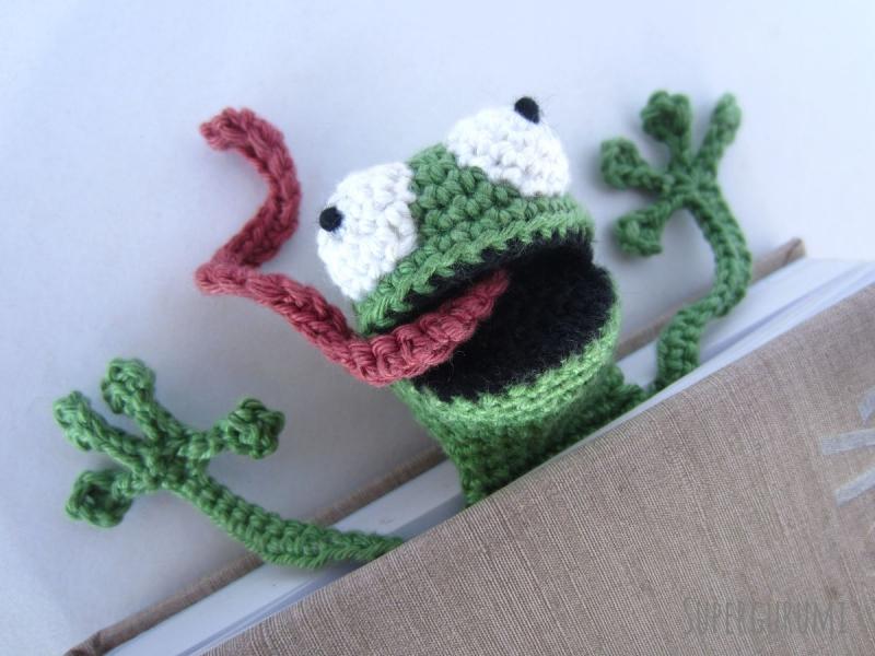 Crochet a Lil Teabag Amigurumi Bookmark … So Wee! | KnitHacker | 600x800