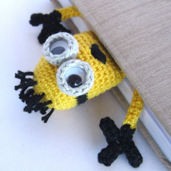 Amigurumi Free Patterns Minions : Amigurumi Minion Bookmark crochet pattern ...