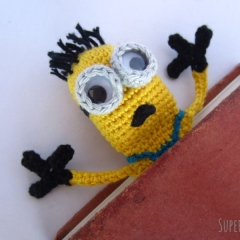 Amigurumi Minion Bookmark crochet pattern by Supergurumi