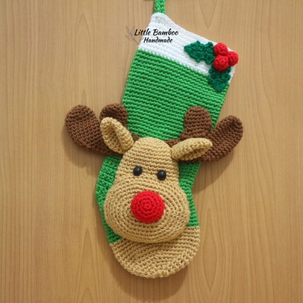 Reindeer Christmas Stocking crochet pattern - Allcrochetpatterns.net