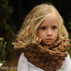 The Oakland Infinity Scarf crochet by Stitch of Nature
