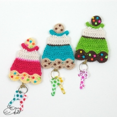Cookie Dress Key Cozy crochet by Emi Kanesada (Enna Design)