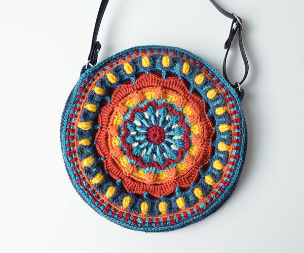 https://www.allcrochetpatterns.net/images/crochet-Kaleidoscope-Mandala-Bag.jpeg