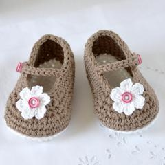 Mary Janes Baby Shoes crochet by Matilda's Meadow