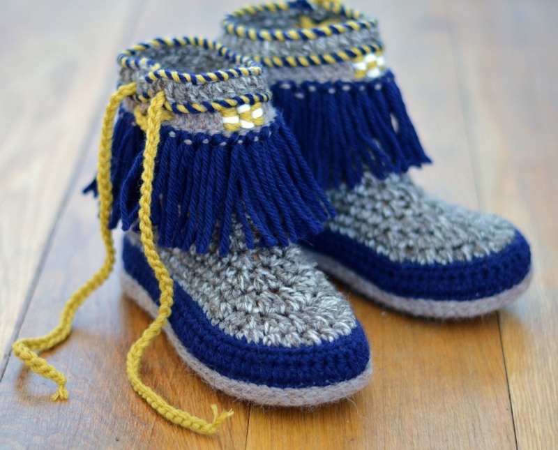 Moccasin Fringe Booties Children Sizes Crochet Pattern