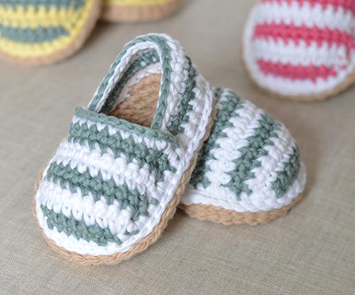 Crochet Amigurumi Doll (Part 1) Crochet Doll Shoes / Sneakers ... | 415x500
