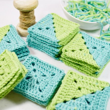 Two Color Granny Square Free Crochet Pattern