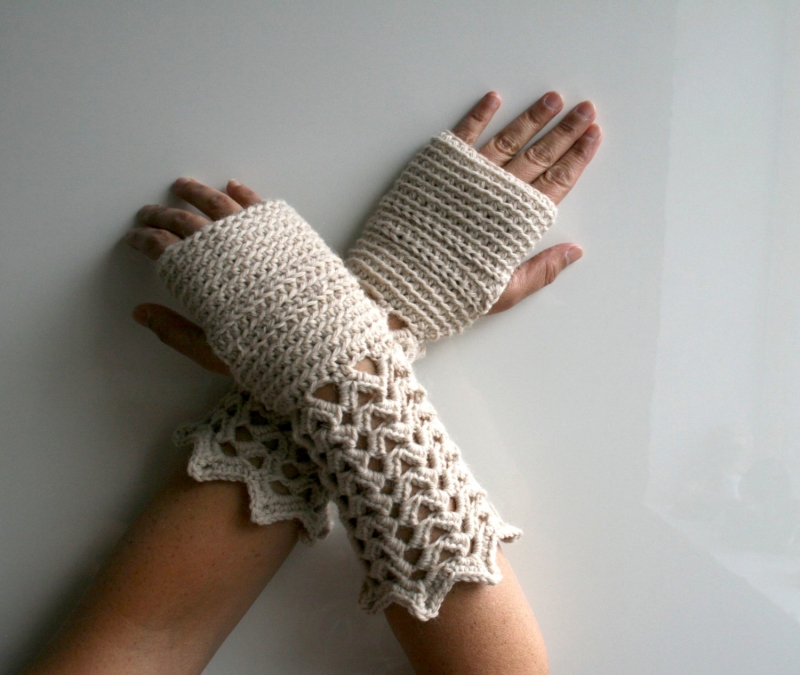 Crochet Fingerless Gloves Pattern Beginner : Winter Lace fingerless gloves crochet pattern ...