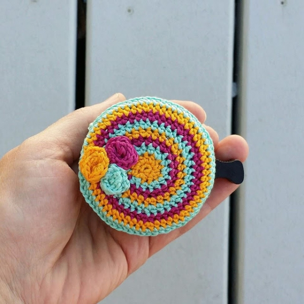 Bicycle bell cozie - Free crochet pattern