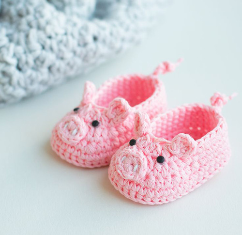 All Crochet Com : Piggy baby booties - Free crochet pattern