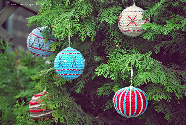 Free Crochet Pattern Christmas Bauble : Vintage Christmas bauble - Free crochet pattern