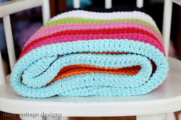 Easy Crochet Patterns For Baby Blankets : Easy Baby Blanket - Free crochet pattern