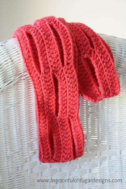 Easy slit scarf - Free crochet pattern