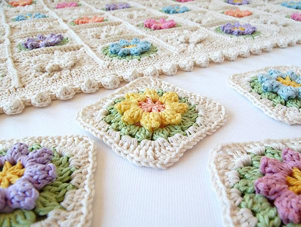 Primavera Flower Granny Square Free Crochet Pattern
