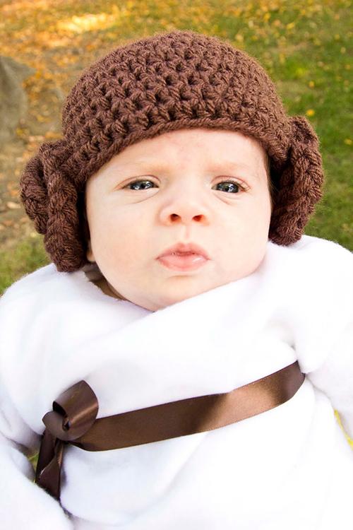 Princess Leia beanie - Free crochet pattern