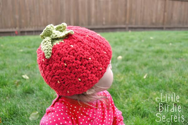 Strawberry hat - Free crochet pattern