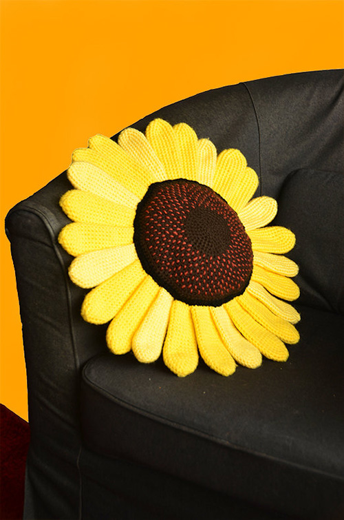 Sunflower Pillow Crochet Pattern Allcrochetpatterns