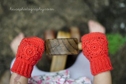 Free Crochet Patterns For Childrens Fingerless Gloves : Toddler fingerless gloves - Free crochet pattern